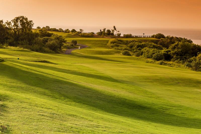 夕暮れのゴルフコース